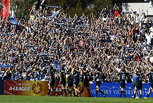 Melbourne celebrate after beating Sydney 5- 0 in the A-League Football match between Melbourne Victory and Sydney FC, Olympic Park, Melbourne Sunday, Oct. 16, 2005. AAP Image/Andrew Brownbill